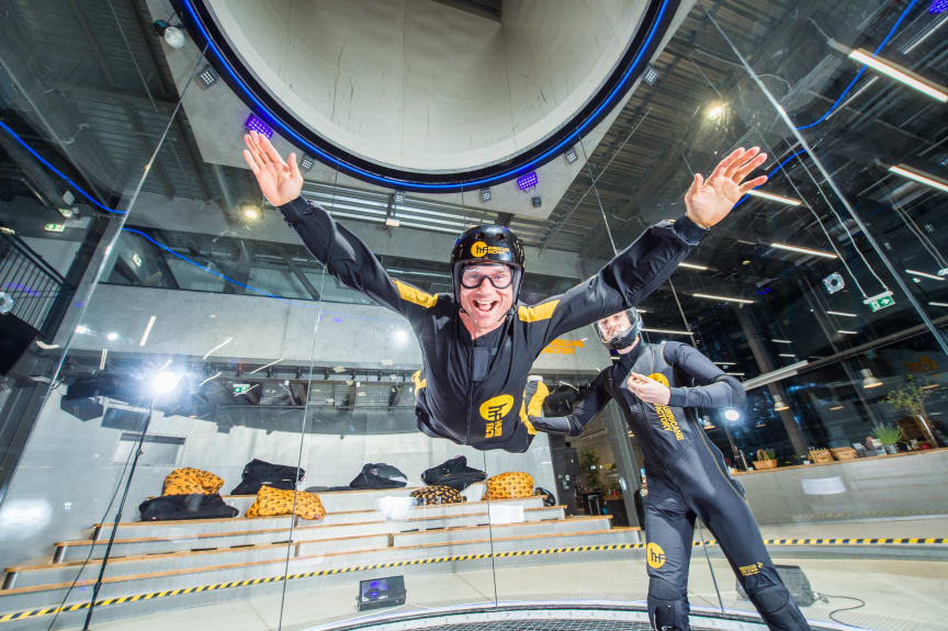 flying in Air tube