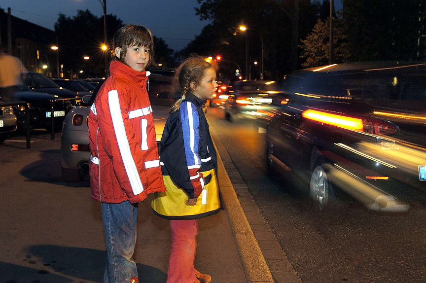 Kinder: Im Herbst auf gute Sichtbarkeit achten