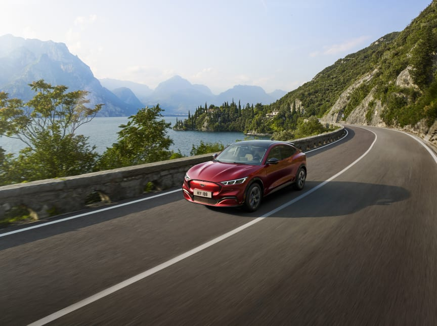FORD_MUSTANG_MACH-E_04 (1)