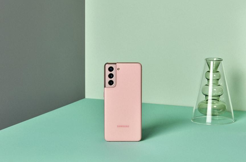 Galaxy S21_lifestyle_pink
