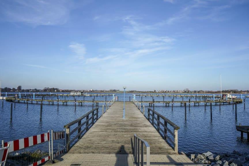 Rundsteg am Yachthafen Burgtiefe