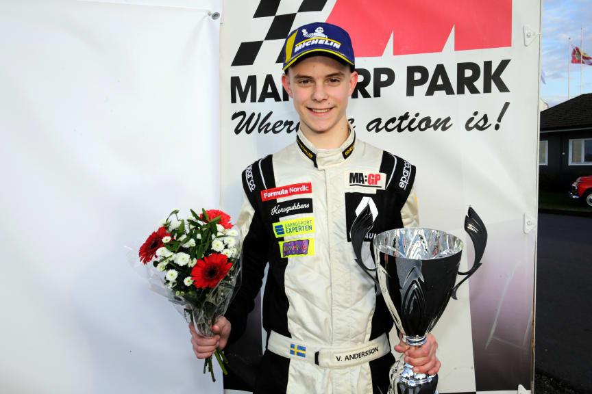 Viktor Andersson - Junio SM-vinnare Formel Nordic