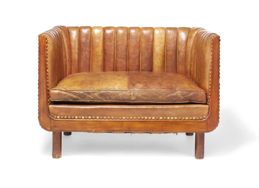 Vilhelm Lauritzen: A unique 1,5 seater sofa