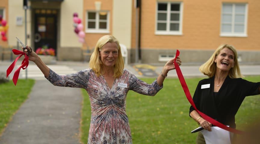 VD Yvonne Haglund Åkerlind inviger Logopedhuset tillsammans med verksamhetschef Helén Norström.