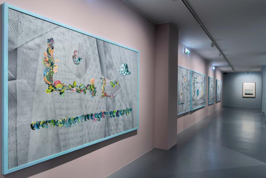 Verk av Azar Alsharif i utstillingen Drømmen om fellesskapet