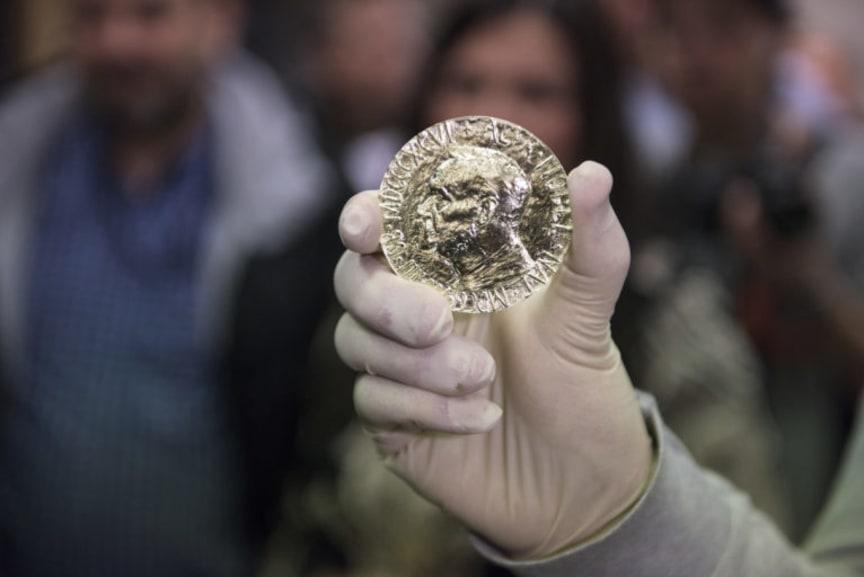 Nobels fredspris preget ved Det Norske Myntverket. Fra 2015 preget i rettferdig Fairmined gull. Foto Samlerhuset