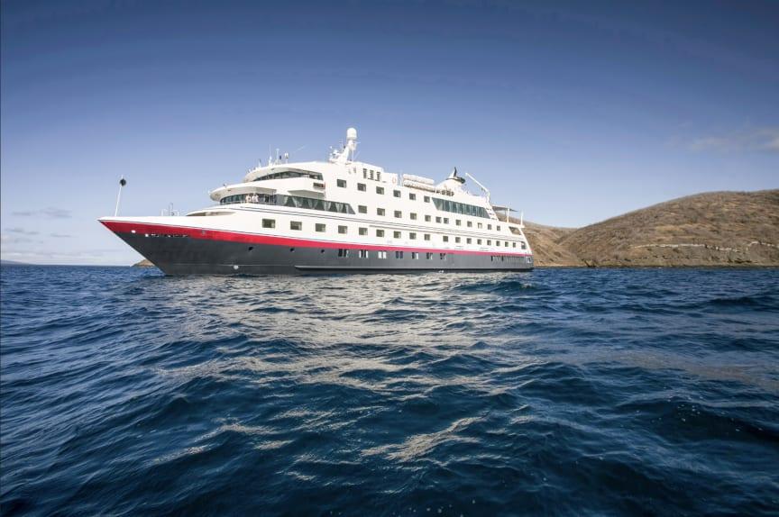 Santa Cruz II - Hurtigruten Expeditions.png