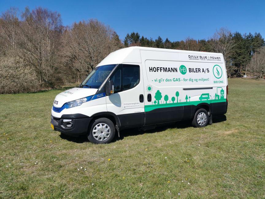 Bæredygtig IVECO Daily på biogas, der kører for Silkeborg Kommune