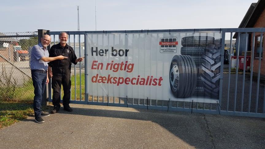 """Formand Erik N. Rasmussen på besøg hos """"en rigtig dækspecialist"""""""