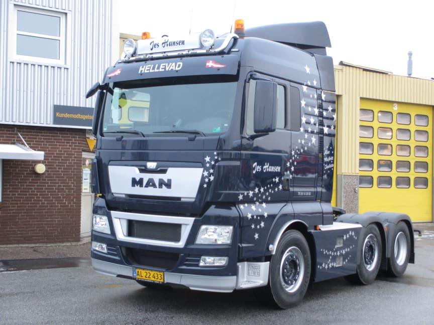 Jes Hansens stjernestrøede lastbil illustrerer, at man godt kan tillade sig lidt personligt præg, for kerneværdierne er i orden i en MAN.