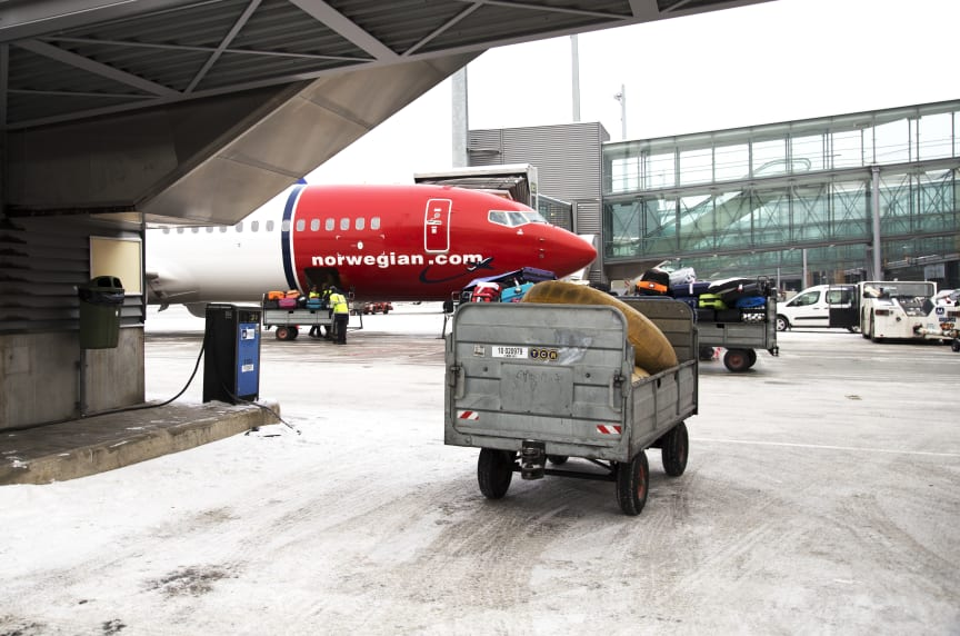 Off loading luggage