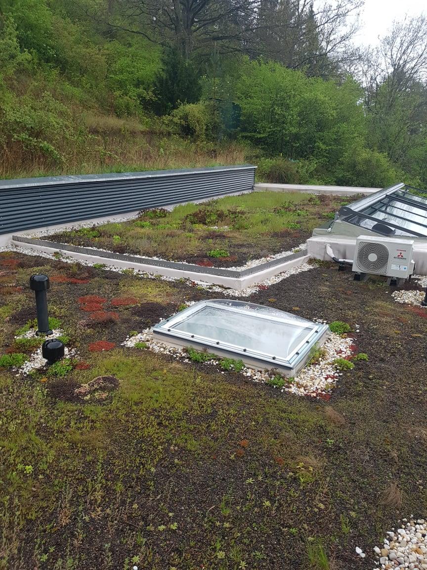 Der Sanierungspreis 17 Flachdach geht an Timo Markert Dachbau:  Integration in die Hanglage, viel Tageslicht und individuelle Lösungen. Das Ergebnis der Sanierung einer Villa in Veitshöchtheim überzeugte die Jury.