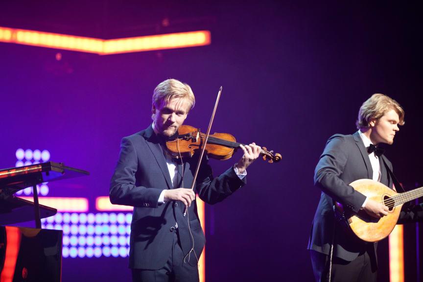 Rune Tonsgaard Sørensen optræder til Kronprinsparrets Priser 2014 sammen med Nive Nielsen