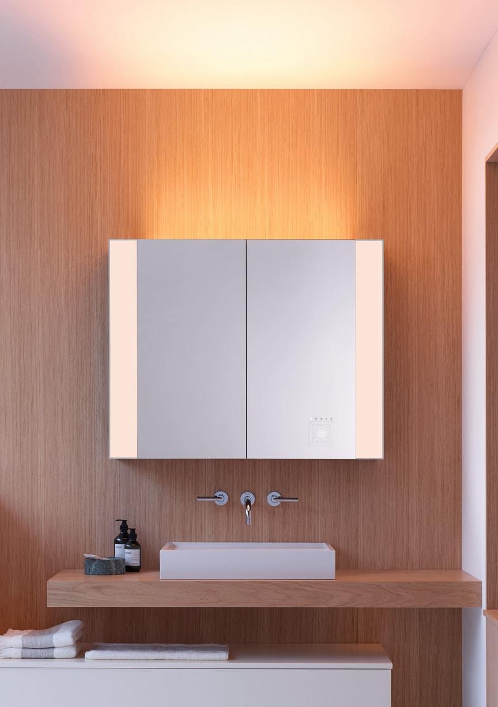 RL40 Room Light-Spiegelschränke von burgbad bringen eine neue Beleuchtungsqualität ins Bad.