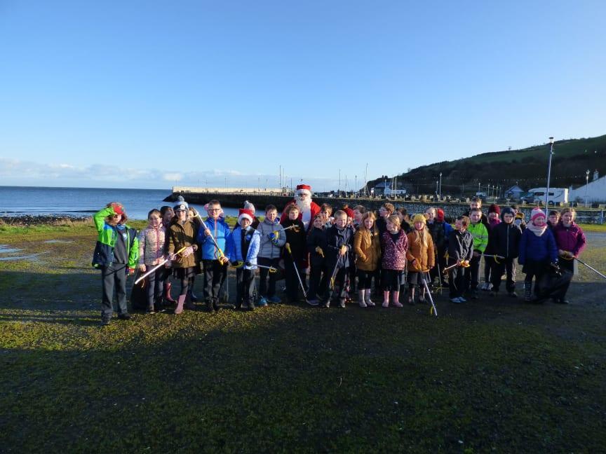 School kids take part in 'Very Merry' Christmas clean-up in Glenarm