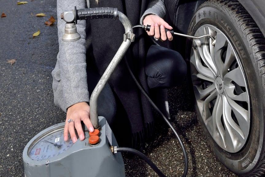 Tjek selv dæktrykket