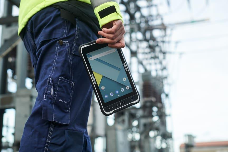 Algiz-rt8-outdoor-field-tablet-handheld-utilities