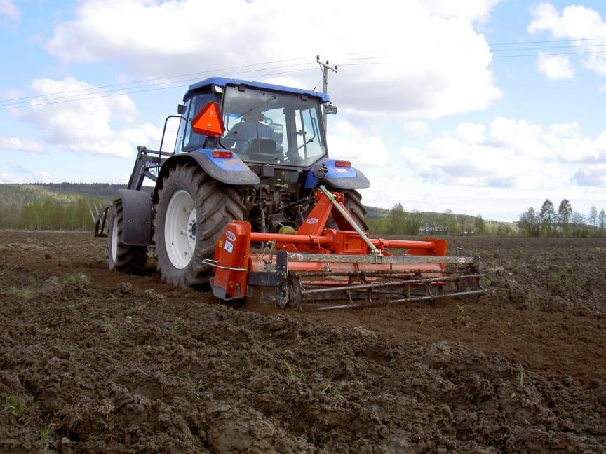 Ortolan tillverkar olika maskiner för maskinell jordbearbetning.