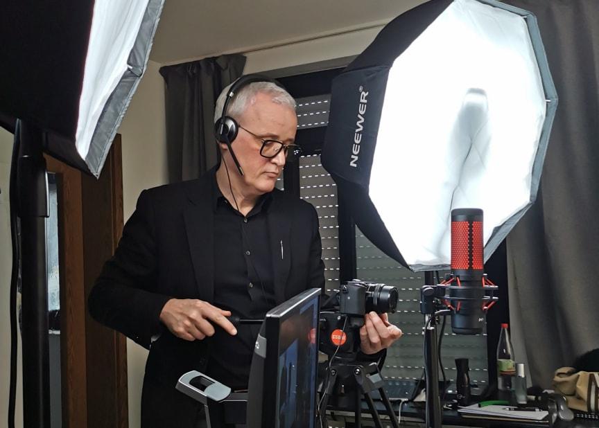 Frank Brormann an der Kamera.jpg