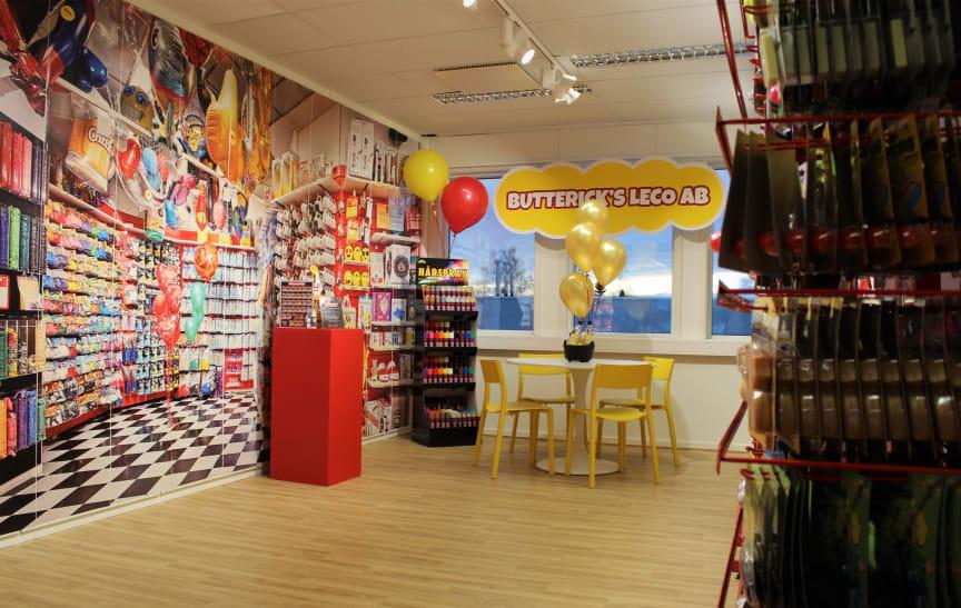 Butterick's Leco Showroom Norwegian Toy House