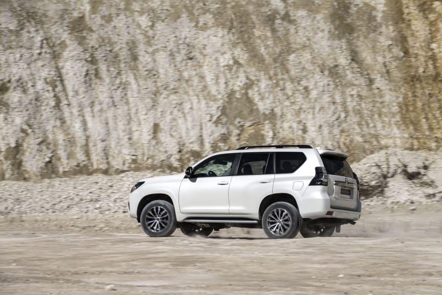 Toyota_Land_Cruiser_51