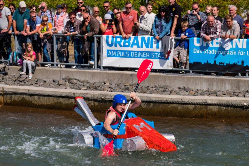 Zum 13. Pappbootrennen brauchen die Paddler Mut und Ideenreichtum