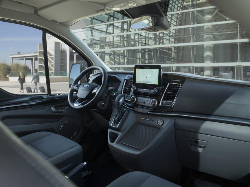 Ford Tourneo Custom ladbar hybrid