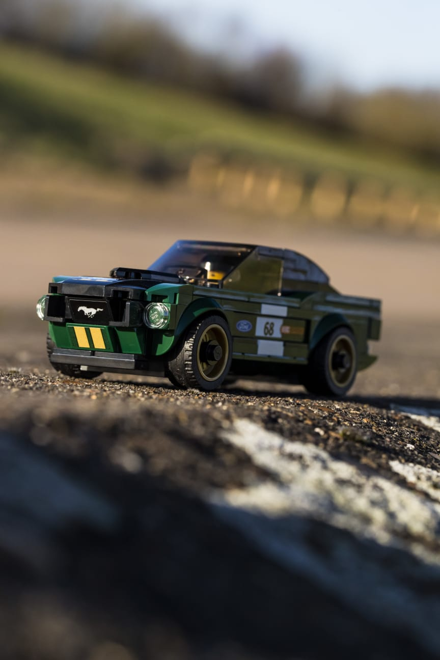 046_DG_Ford_Speed_Champions_Lego_