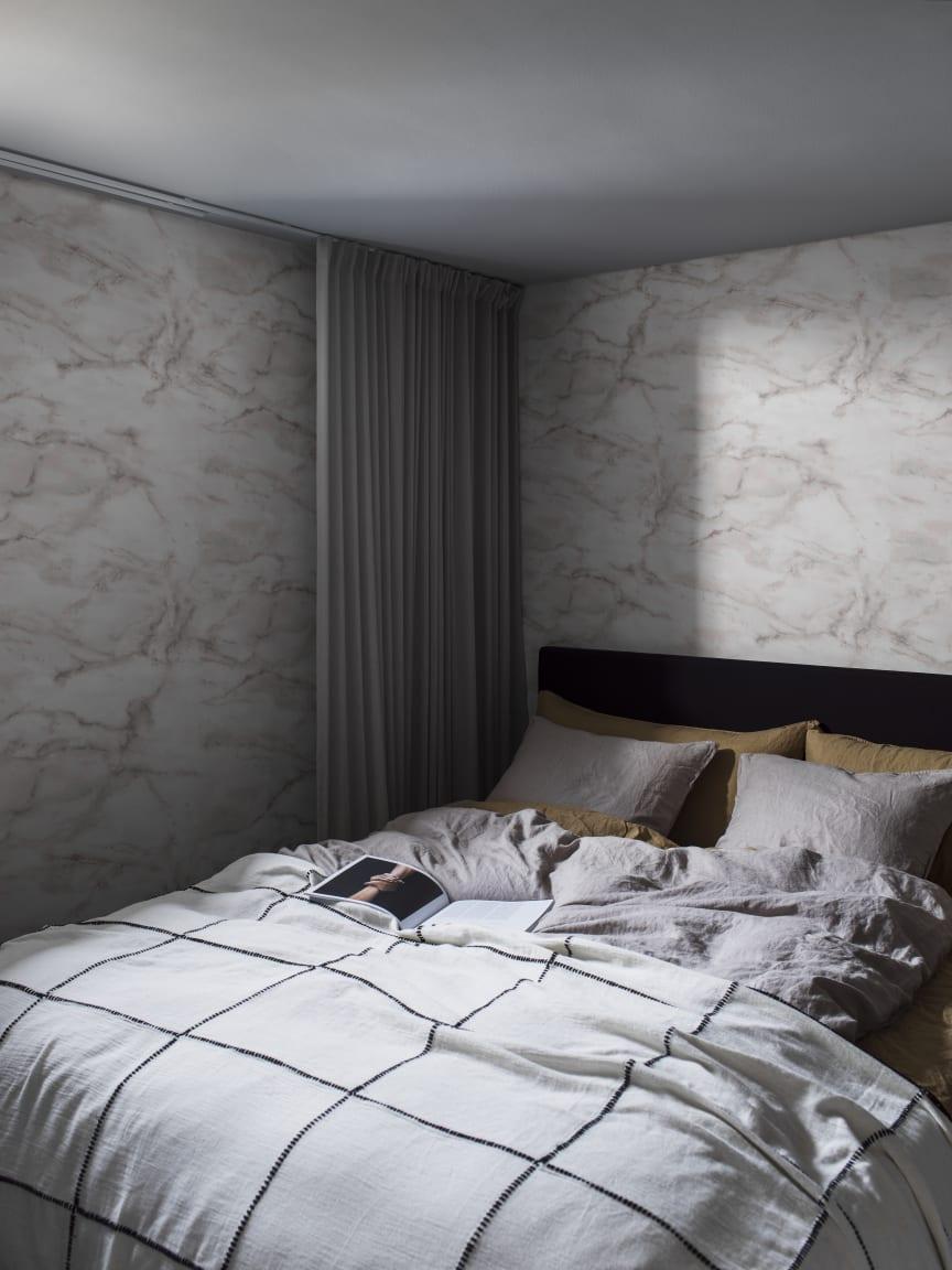 CapturedReality2_Bedroom_V2_MagicMarble_P292401-4__PR