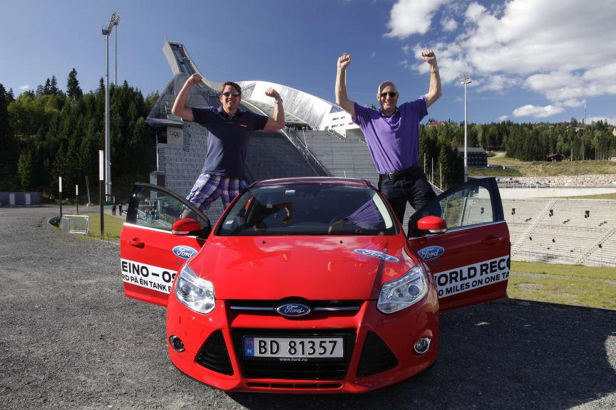 Knut Wilthil og Henrik Borchgrevink satte verdensrekord i økonomikjøring med Ford Focus med den prisbelønte 1.0-liters EcoBoost-motor
