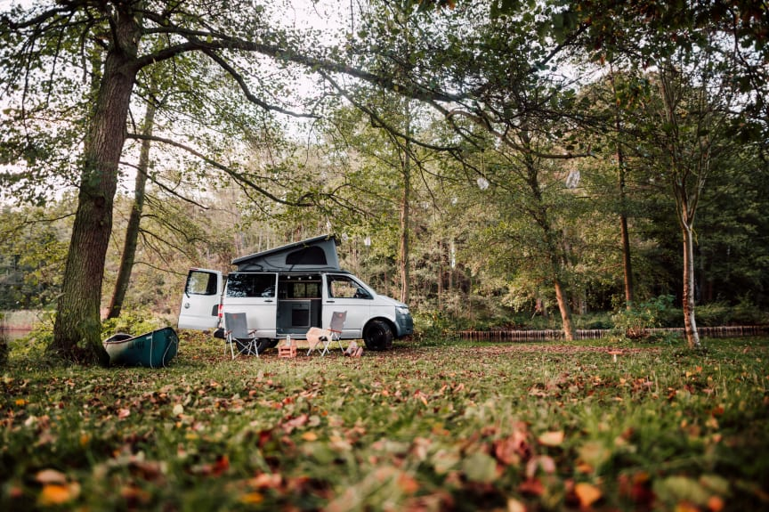 PaulCamper Outdoor Experience_Camper_Herbstwiese_Weite