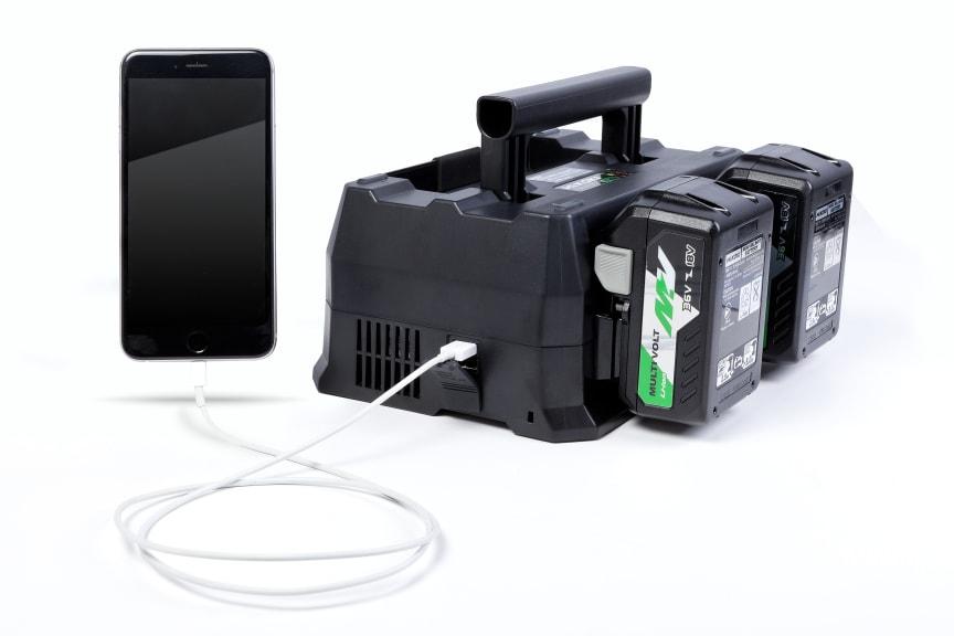 HiKOKI batterilader Kombi UR18YTSL koblet til iPhone (mobil)