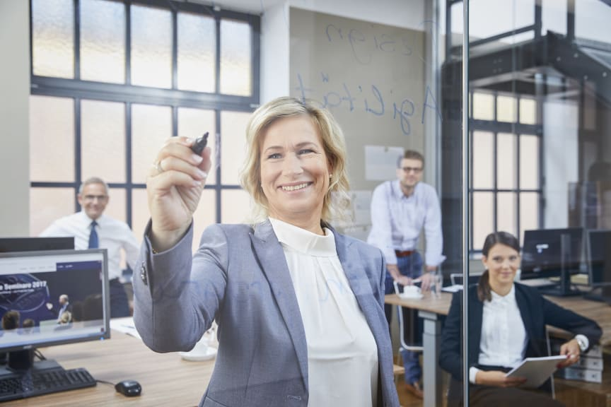 BPW gehört zu Deutschlands Besten Arbeitgebern. Für Barbara Höfel sind zufriedene Mitarbeitende die beste Voraussetzung für zufriedene Kunden.