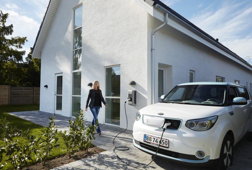 Med elbiloperatøren CLEVER som partner kan KIA nu tilbyde fremtidige kunder af el- og plug-in hybridbiler ubegrænset strøm til én fast pris.
