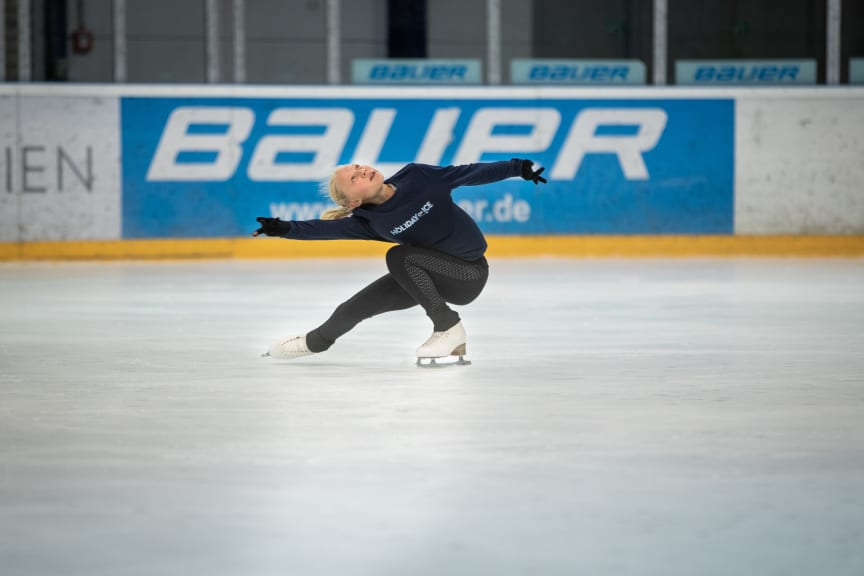 HOLIDAY ON ICE ACADEMY Sommercamp Essen Kama Krejpcio-Schelewski
