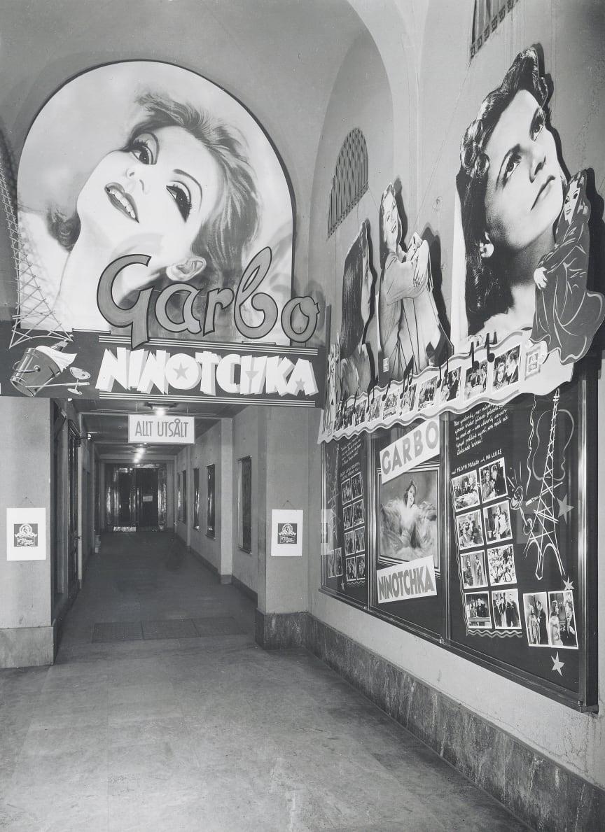 8. Garbo_Ninotchka_Valvet_1940