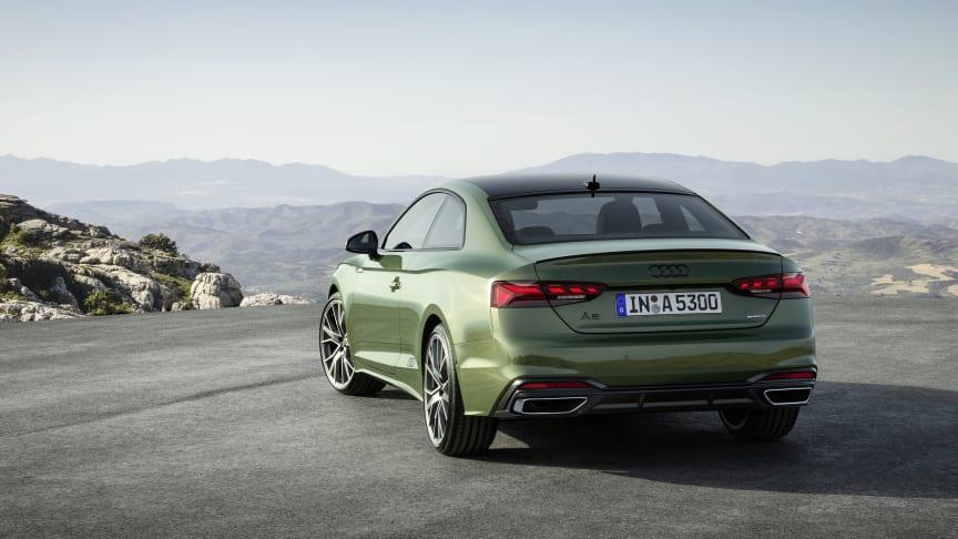 Audi A5 Coupé med sort kontrasttag (Distriktgrøn)