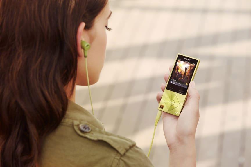 Walkman NW-A20 lifestyle_3