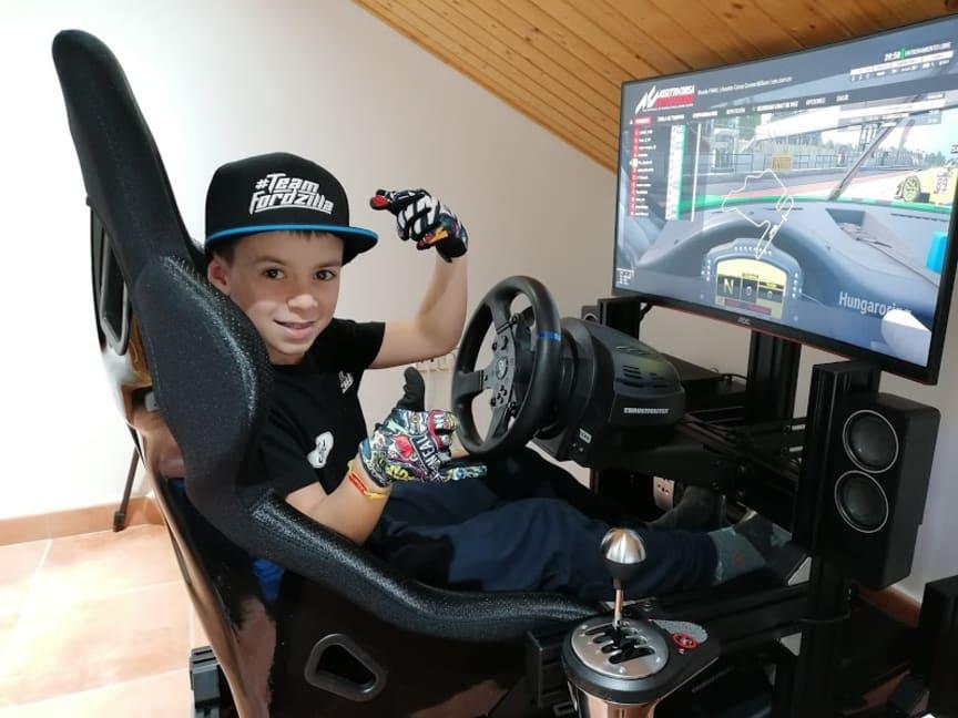 Fords e-sportshold byder velkommen til 10-årigt medlem
