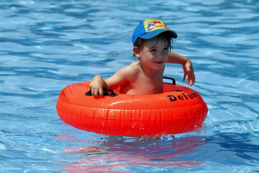 Kinder: nie ohne Kopfbedeckung in die Sonne