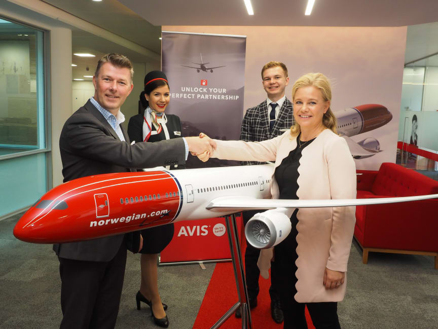Stig Williams, Avis (L) and May Wilson, Norwegian Reward (R)