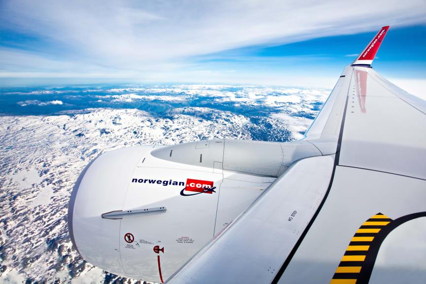 Boeing 737 sobre glaciares en Noruega