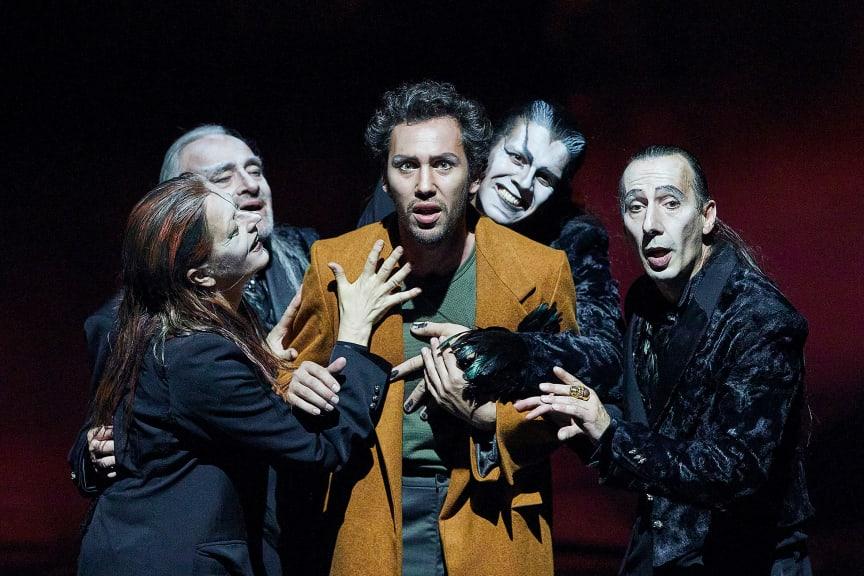 Goetheanum Buehne Faust und Mephisto_Lucia Hunziker