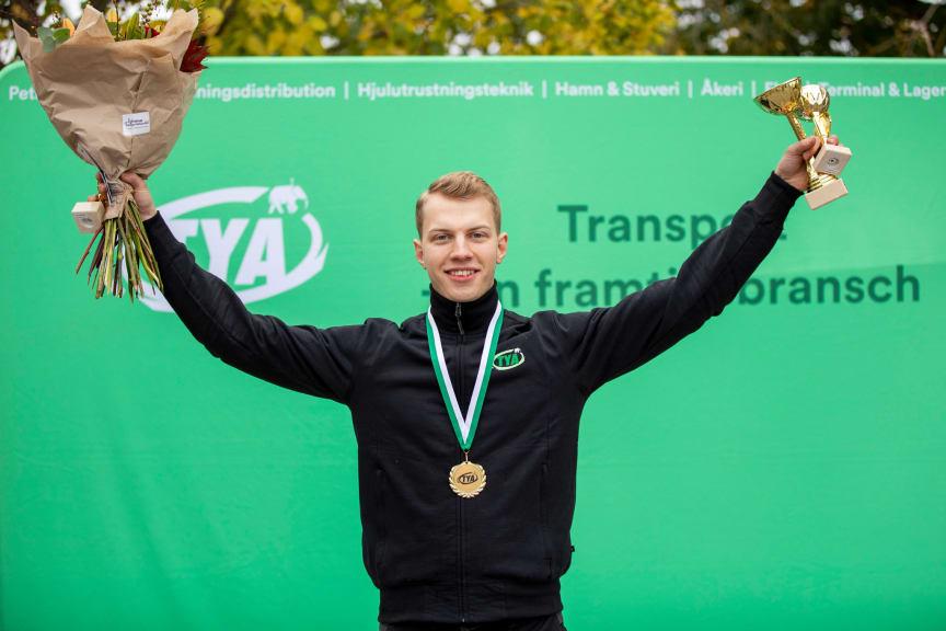TYA-SM vinnare flygmekaniker Emrik Gunnarsson