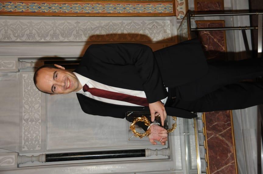 Maailman paras halpalentoyhtiö -palkinnon otti vastaan Norwegianin Karl Peter Gombrii