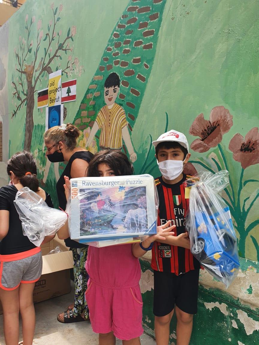 Spenden in Beirut.jpg