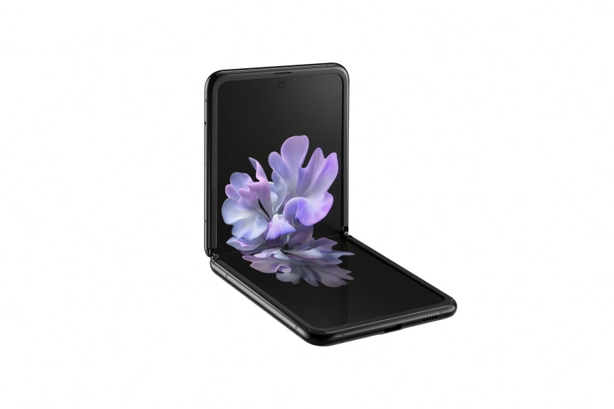 Samsung Galaxy Z Flip_l30 table top_black mirror