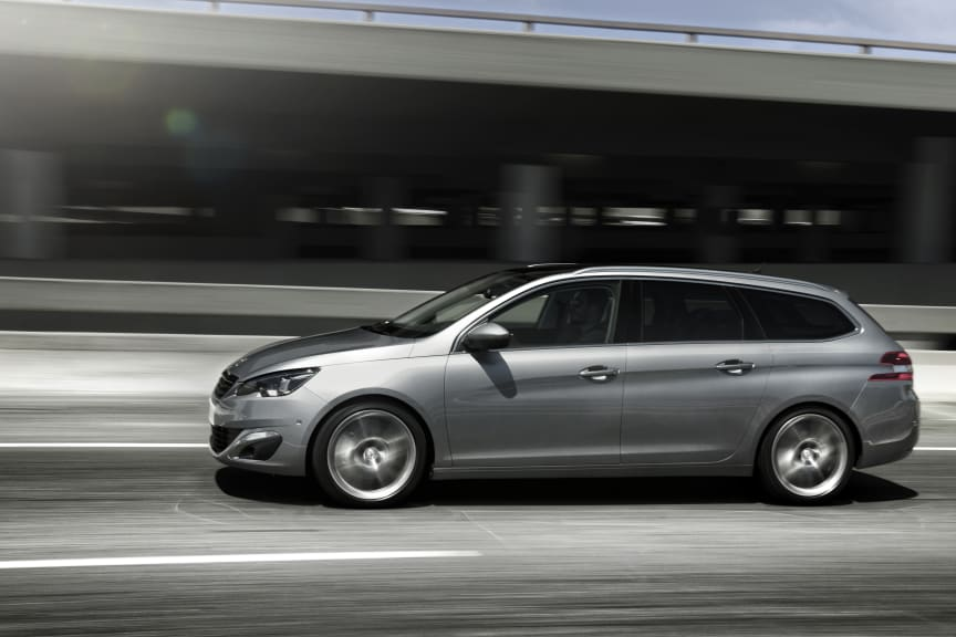 Nya Peugeot 308 SportWagon sida