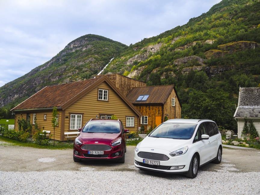 Endelig er nye Ford S-MAX og nye Galaxy her - begge med AWD og 5 stjerner i Euro NCAP.