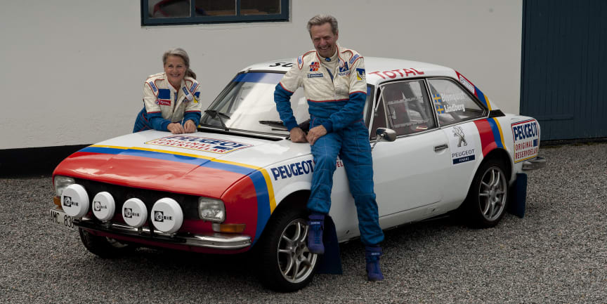 Gert Blomquist och Lena Lindberg med Peugeot 504 V6 Coupé